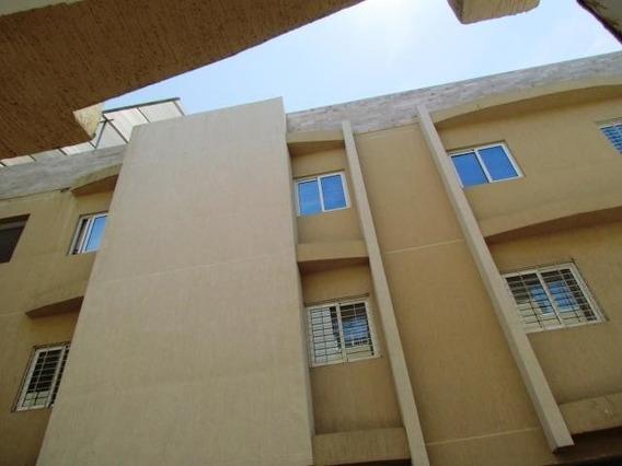 Luis Infante Mls# 20-16369 Apartamento Av Baralt