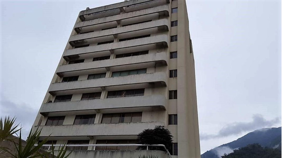 Apartamentos 4 Habitaciones, 5 Baños Mls #18-12161