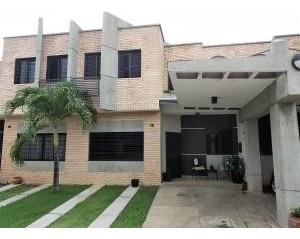 Casa Venta Los Mangos Valencia Carabobo 20-7470 Vdg