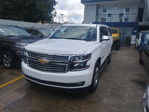 Chevrolet Suburban Americano