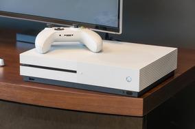 Xbox One S Branco 500gb 4k + 1 Controle C/ Bateria + Jogo
