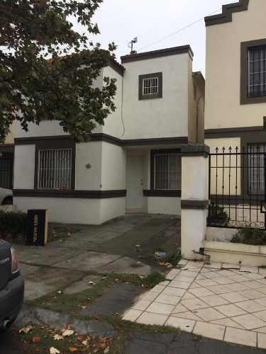 Casa En Venta O Renta En Jardines De Andalucia En Guadalupe, N. L.