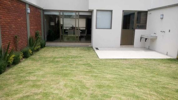Venta De Casa Con Amplio Jardín A 10 Min De Galerías Metepec