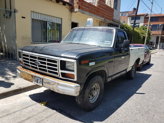 Ford F-100 .