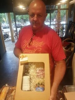 Caja De Regalos Con Vino Y Delicatessen - Il Peccato Gourmet