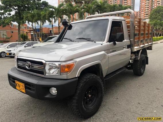 Toyota Land Cruiser Landcruiser V6 Estacas