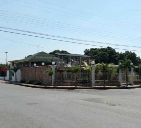 Casa En La Urb Fundacion Mendoza, Maracay.