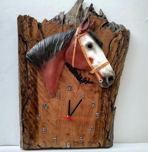 Relógio De Parede Rústico Madeira Resina Cabeça Cavalo