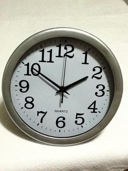 Relógio Branco/prata Preço De Atacado 2 Unidades