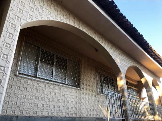 Casa Ampla Preço Reduzido, 05 Dormitórios E 01 Suíte