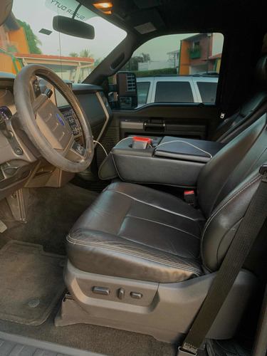 Ford F250 Lariat 4x4