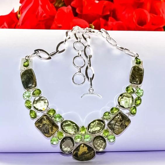 Colar Facetado Prateado - Pedras Verdes E Cristal