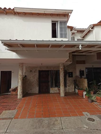 Casa En Urbanización Girasol