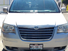 Camioneta Chrysler Town & Country Touring 2009 Gris