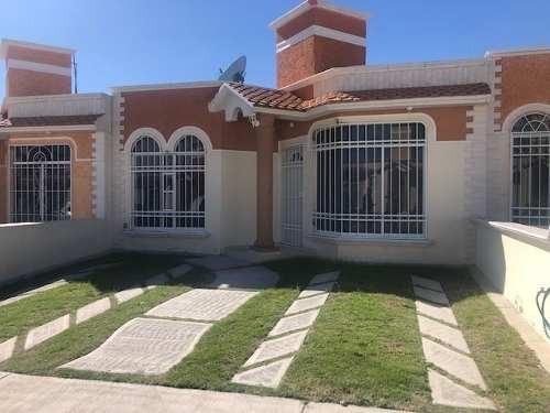 Casa De 146 M2, 2 Recamaras Incluye Cocineta