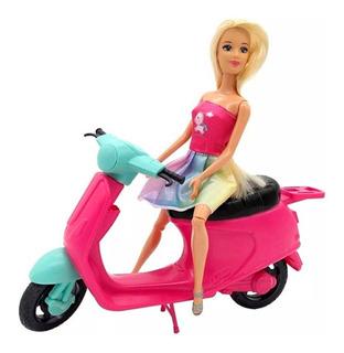 Muñeca Kiara Articulada Con Moto 30 Cm B089 Educando