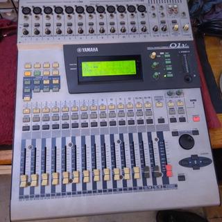Mesa Digital Yamaha 01v (com Placa Adat) Baixei