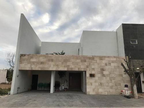Casa En Venta En San Armando