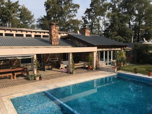 Vendo Casa De 3 Dormitorios En Altos De La Tahona