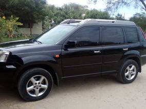 Vendo Camioneta 4x4 Nissan Modelo X-trail 2003 Modelo 2004