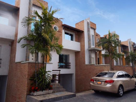 Townhouse En Venta Barrio Sucre 20-7934 Jcm