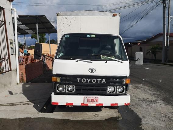 Toyota Dina