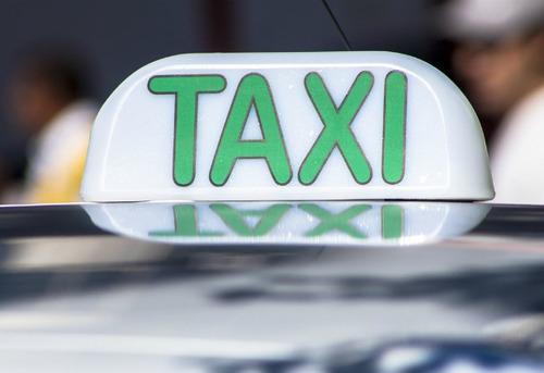 Imagem 1 de 1 de Alugo Alvará E O Ponto De Táxi
