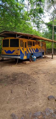 Imagem 1 de 4 de Rancho Pra Locação ( Diária )