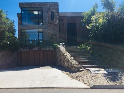 Magnifica Casa En Barrio Privado- Ref: 6391