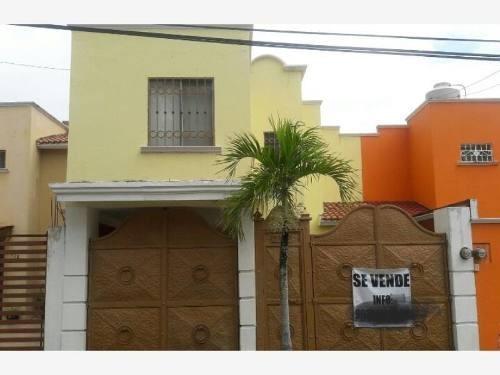 Casa Sola En Venta Fracc. La Goria