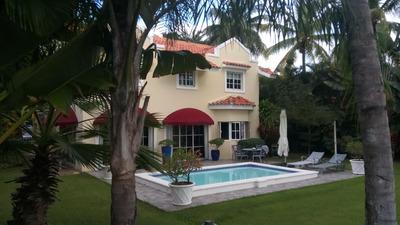 En Juan Dolio Vendo Villa A Amueblada Con Campo De Golf.