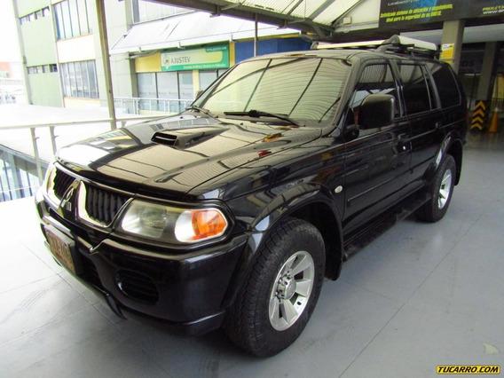 Mitsubishi Nativa Cabinado