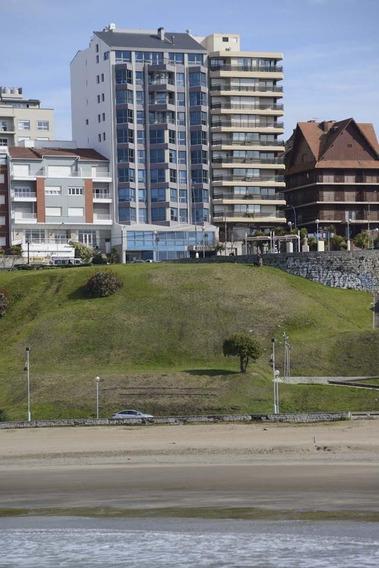 Venta De Piso Premium En Playa Varese Con Vistas Al Mar