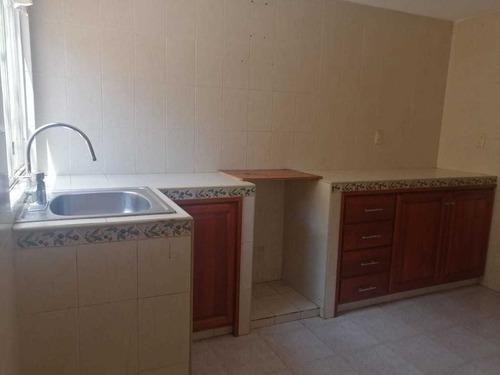 Casa En Renta En La Piedad, Cuautitlan Izcalli. 3 Recámaras, 2 Baños, 2 Autos