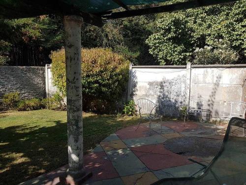 Casa En Barrio Residencial Para Remodelar, Gran Terreno