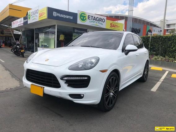 Porsche Cayenne Wagon Gts