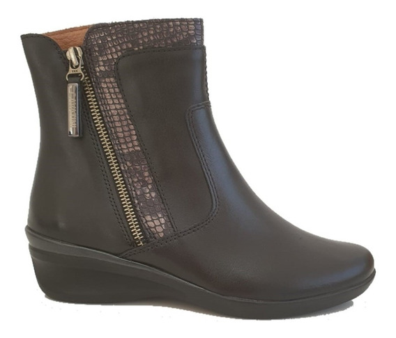 Bota Cavatini De Cuero Color Negro Con Taco Chino