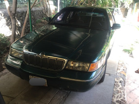 Ford Grand Marquis 2000 Color Verde