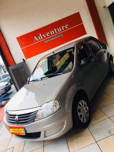 Renault Logan Authentique 1.0 2011