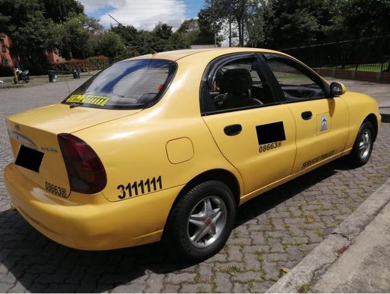 Taxi Daewoo Lanos 2002 Recien Reparado