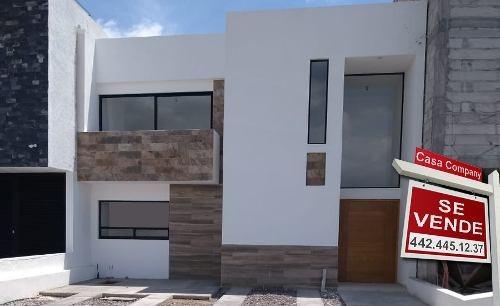 Estrena Casa En Grand Juriquilla, 3 Recamaras, Gran Jardín 50m, Terreno 195 M2