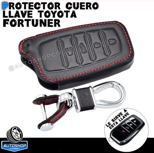 Forro Protector Cuero Toyota Fortuner + Llavero