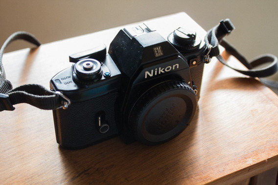 Câmera Analógica Nikon Em