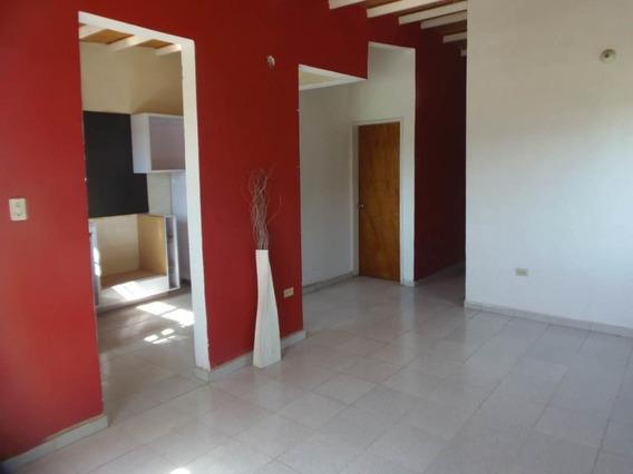 Rah: 20-1394. Casa En Venta En Centro