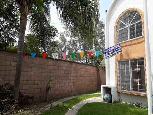 Casa En Esquina Con Excedente, A 5 Min Del Tren Ligero