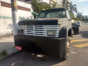 Caminhão D12000 / 92