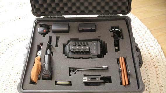 Blackmagic Ursa Mini 4.6k Ef Completo (oportunidade)