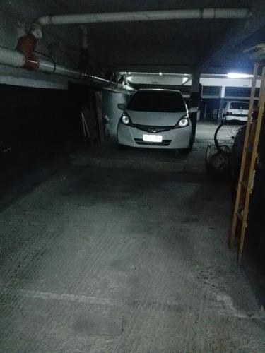 Garaje Fijo En Edificio 21 De Setiembre Y Luis De Latorre