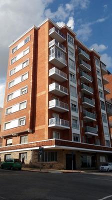 Apartamento 2 Dormitorios Ejido Y La Rambla