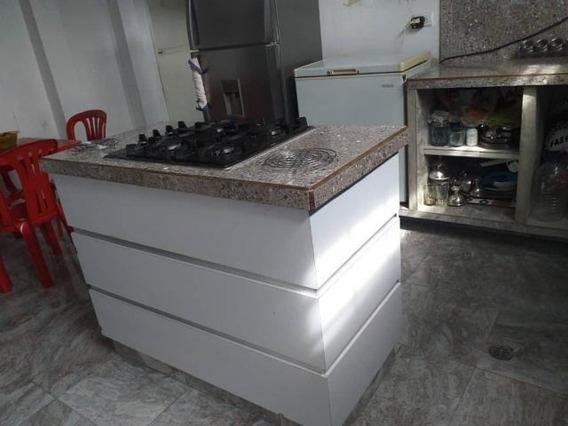 Casa En Venta Centro Barquisimeto 20-6096 J&m 04120580381